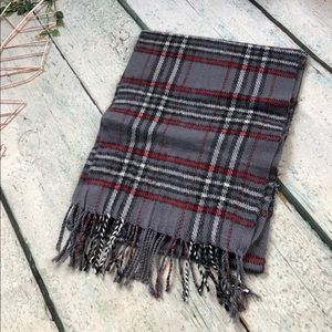 Accessories - Plaid scarf grey red checks winter fringe acrylic